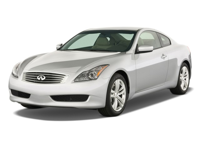 2009 Infiniti G37 Coupe 2-door Base RWD Angular Front Exterior View