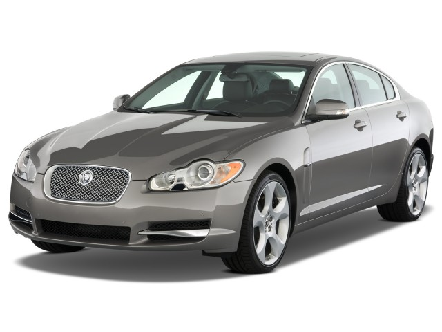2009 Jaguar XF 4-door Sedan Supercharged Angular Front Exterior View