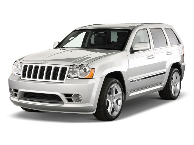 2009 Jeep Grand Cherokee 4WD 4-door SRT-8 Angular Front Exterior View