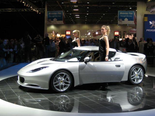 2010 Lotus Evora The New Porsche 911 Challenger In Super Car Style