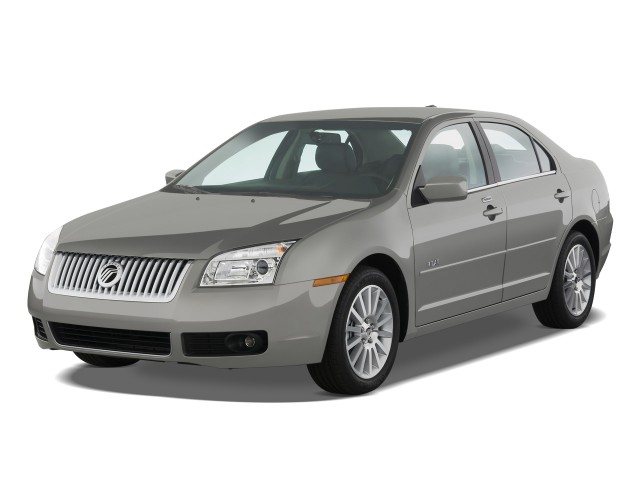 2009 Mercury Milan 4-door Sedan I4 Premier FWD Angular Front Exterior View