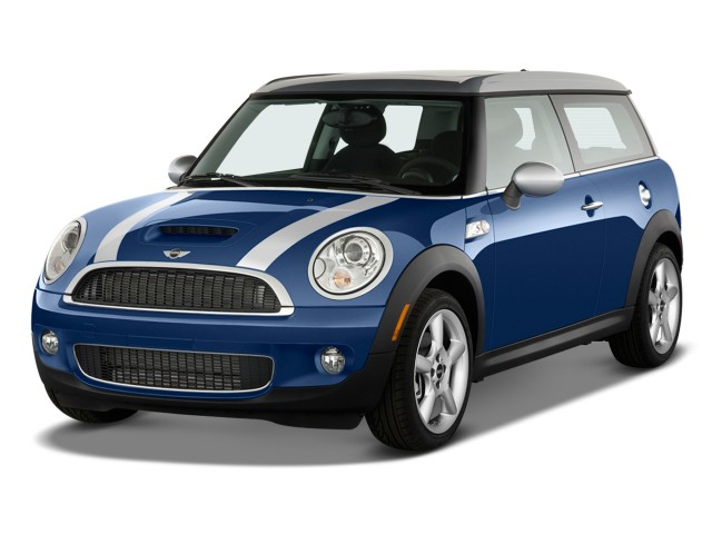 2009 Mini Cooper Clubman 2 Door Coupe S Angular Front Exterior View