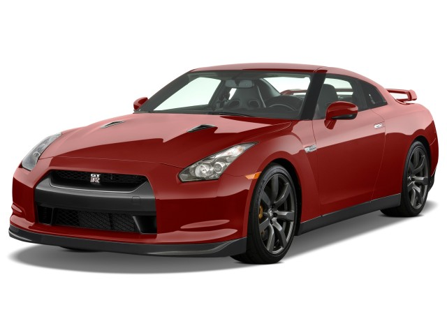 2009 Nissan GT-R 2-door Coupe Angular Front Exterior View