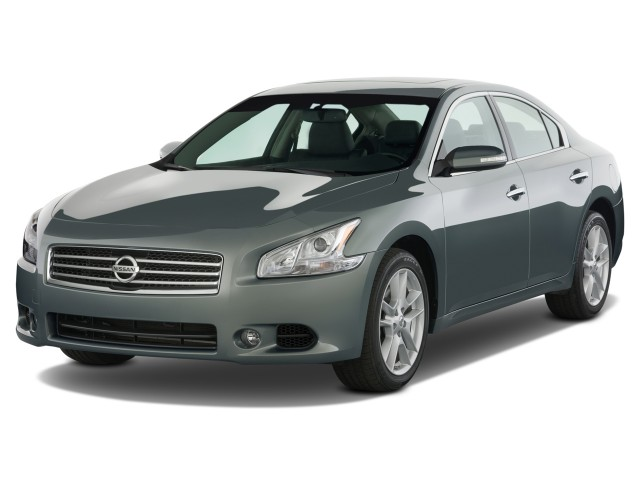 2009 Nissan Maxima 4-door Sedan SV Angular Front Exterior View