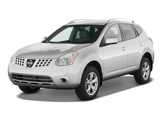2009 Nissan Rogue FWD 4-door S Angular Front Exterior View
