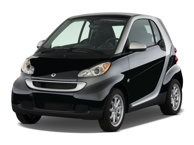 2009 Smart fortwo 2-door Coupe Passion Angular Front Exterior View