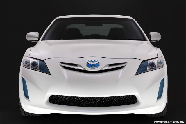 2009-toyota-hc-cv-hybrid-camry-concept-001_100195447_s.jpg