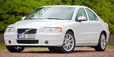 Volvo expands recall of older sedans and wagons for airbag issue