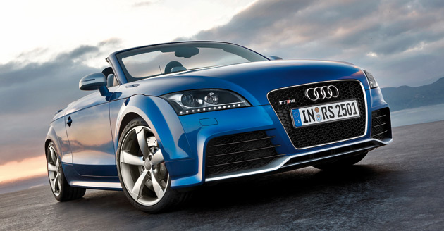 The Roadster accelerates from 0-100km/h in just 4.7 seconds – 0.1 seconds slower than the Coupe