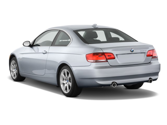 Angular Rear Exterior View - 2010 BMW 3-Series 2-door Coupe 335i RWD