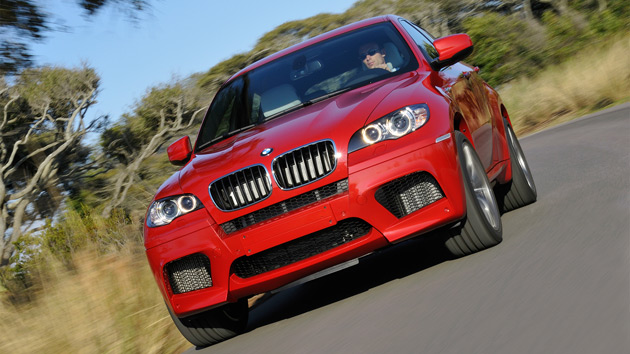Both models come with a twin-turbo 4.4L V8 rated at 555hp (412kW) and 500lb-ft (677Nm) of torque