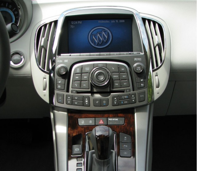 2010 buick lacrosse first drive inset 1