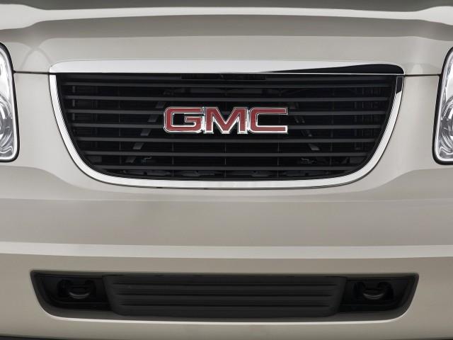 2010 GMC Yukon 2WD 4-door 1500 SLT Grille