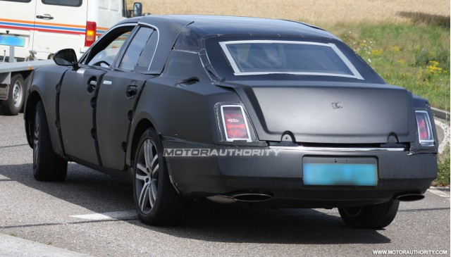 2010 grand bentley arnage replacement spy shots july 005
