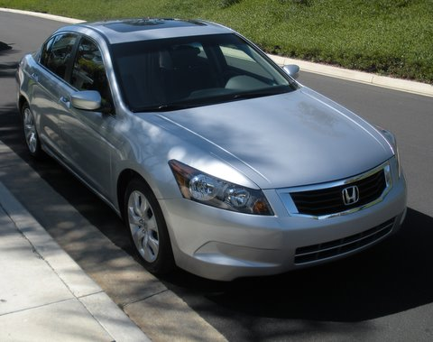 Weeklong Roadtest: Is the 2010 Honda Accord EX Family Sedan for You?