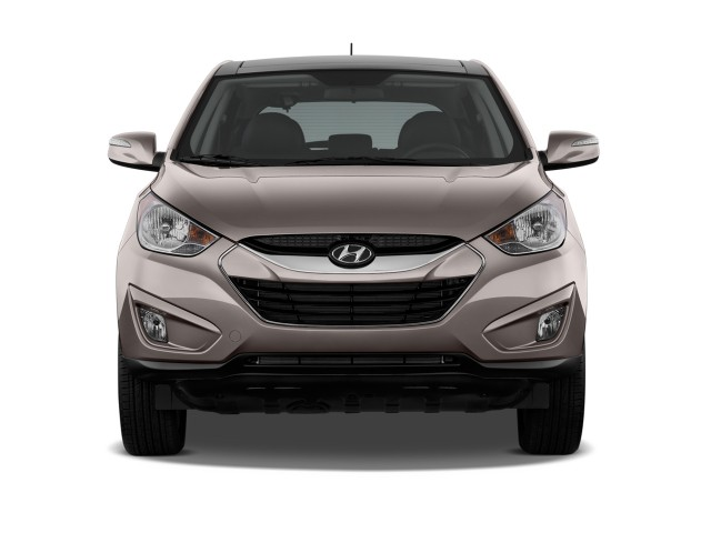 2010 Hyundai Tucson FWD 4-door I4 Auto Limited PZEV Front Exterior View