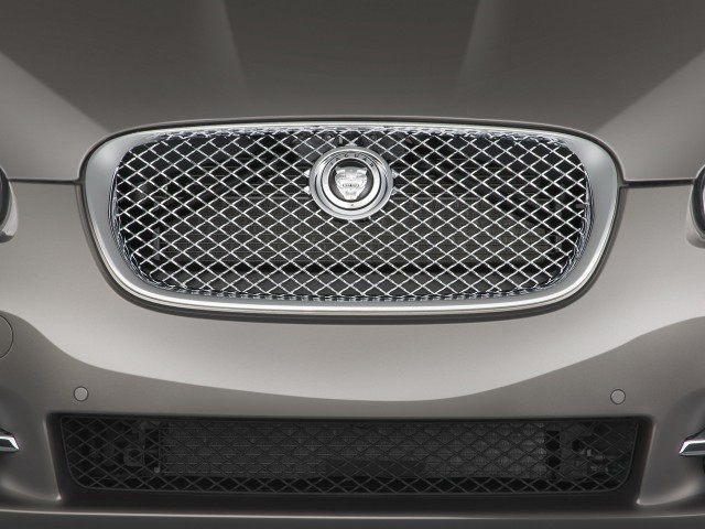 Grille - 2010 Jaguar XF 4-door Sedan XF Supercharged