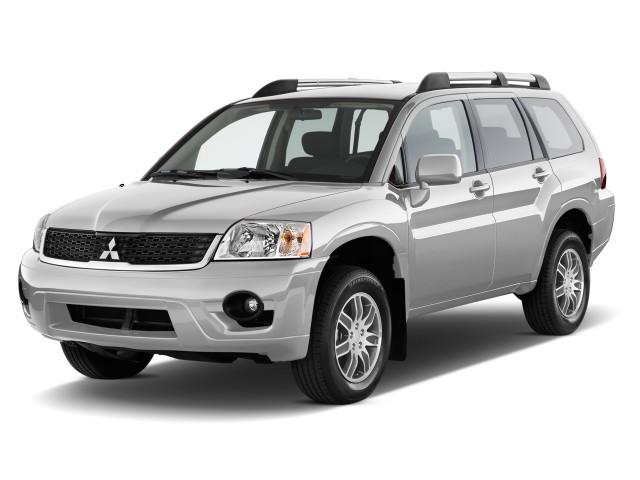 2010 Mitsubishi Endeavor FWD 4-door LS Angular Front Exterior View