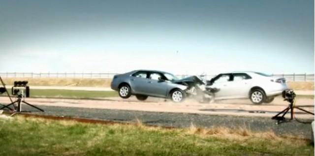 2010 Saab 9-5 head-on crash test