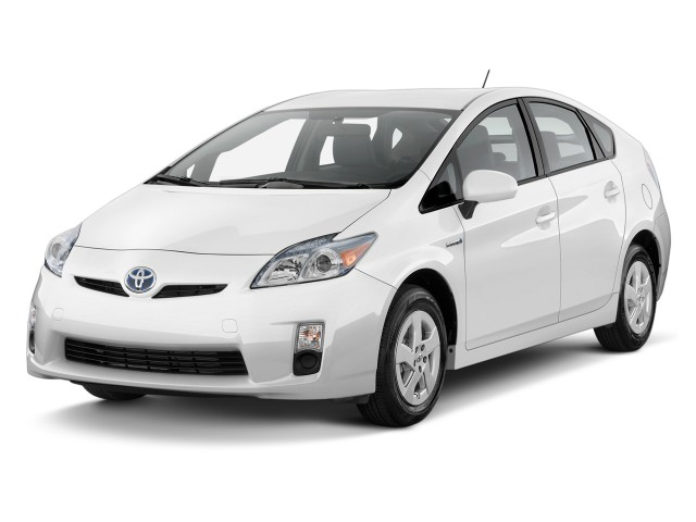 Angular Front Exterior View - 2010 Toyota Prius 5dr HB II (Natl)