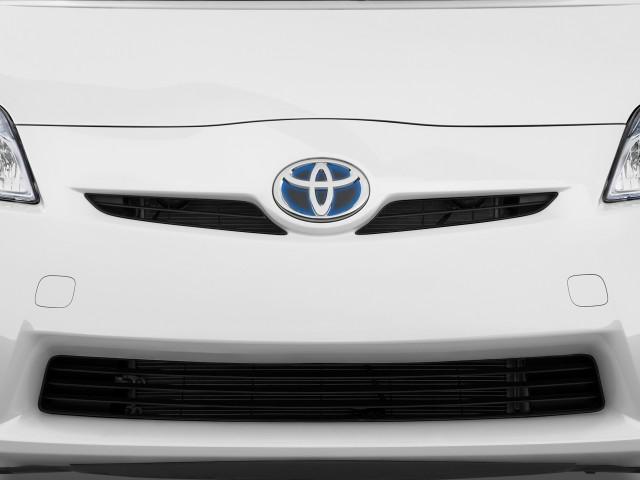 Grille - 2010 Toyota Prius 5dr HB II (Natl)