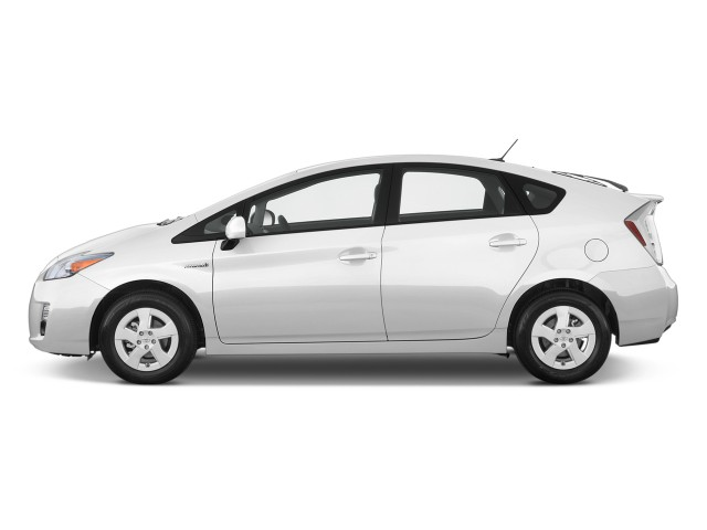 2010-toyota-prius-5dr-hb-ii-natl-side-exterior-view_100247899_s.jpg