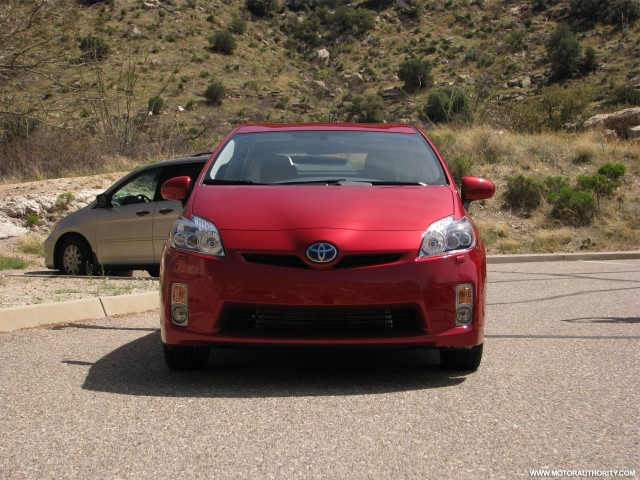 2010 toyota prius first drive 010