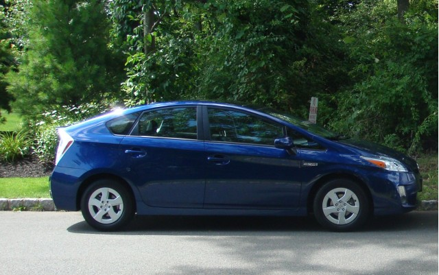 2010 Toyota Prius side view