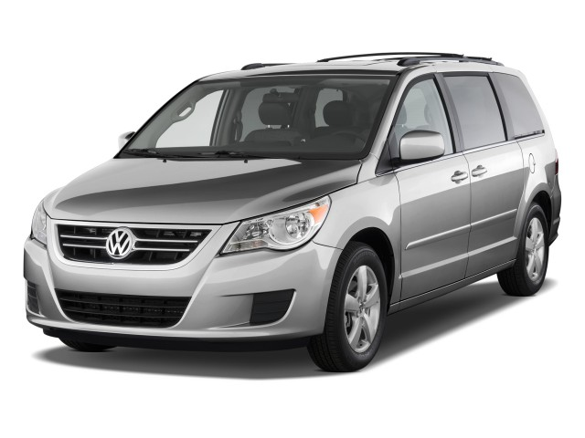 2010 Volkswagen Routan 4-door Wagon SE Angular Front Exterior View
