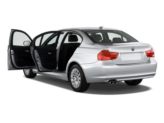 2011-bmw-3-series-4-door-sedan-328i-rwd-open-doors_100311701_s.jpg
