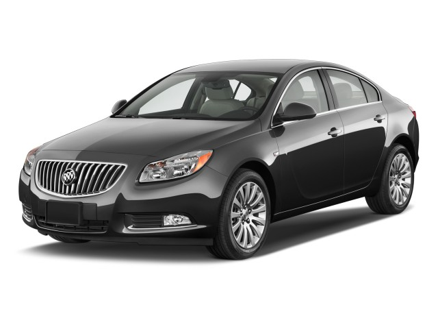 2011 Buick Regal 4-door Sedan CXL RL3 Angular Front Exterior View