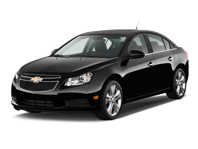 2011 Chevrolet Cruze 4-door Sedan LTZ Angular Front Exterior View