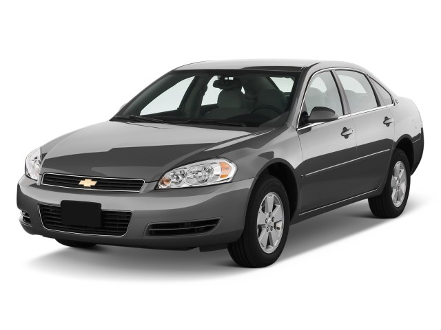 2011 Chevrolet Impala 4-door Sedan LT Retail Angular Front Exterior View