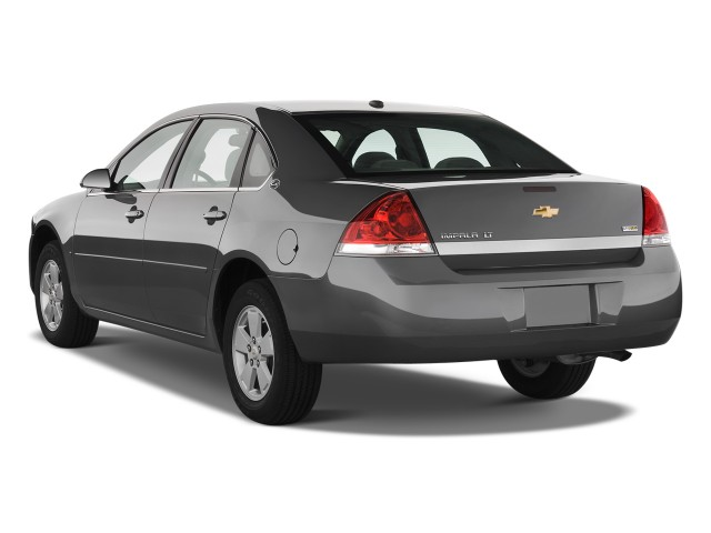 2011 Chevrolet Impala 4-door Sedan LT Retail Angular Rear Exterior View