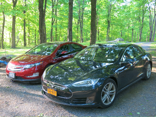 2017 Chevrolet Volt And Tesla Model S Photo David Noland