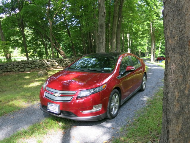 2011 Chevrolet Volt, before lease return, Hudson Valley, NY, Aug 2014 [photo: David Noland]