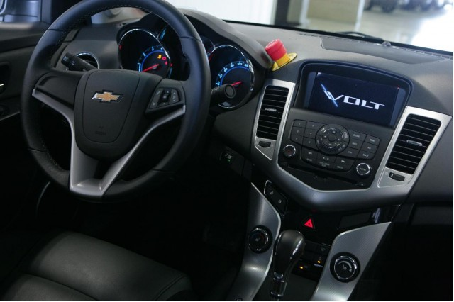 2011 Chevrolet Cruze: Good Reviews for US-Bound Global Compact