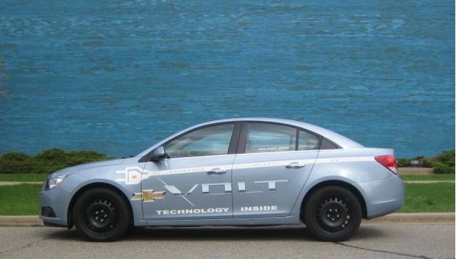 2011 Chevrolet Volt mule - Volt powertrain in Cruze body