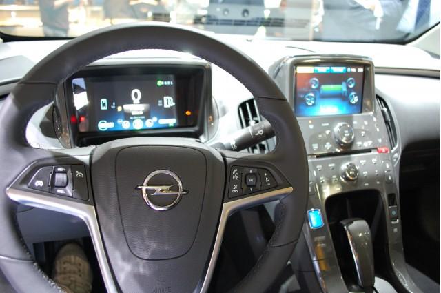 Opel Ampera cabin