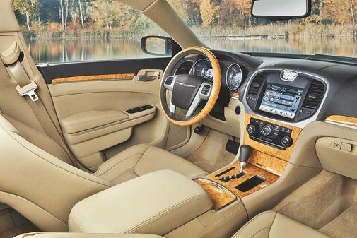 2011 Chrysler 300 interior leaked