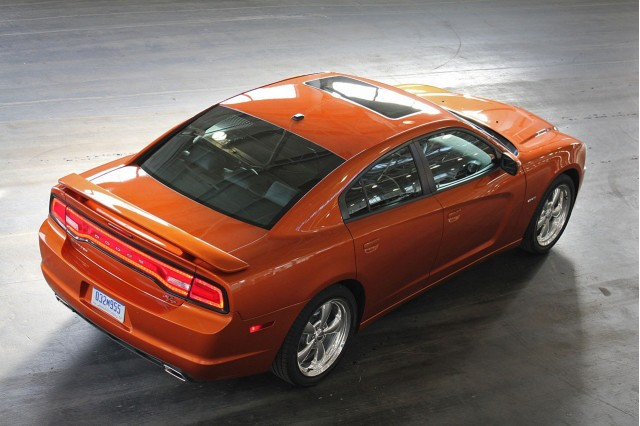 2011-dodge-charger_100329130_s.jpg