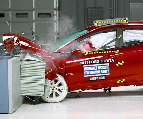 2011 Ford Fiesta IIHS crash tests