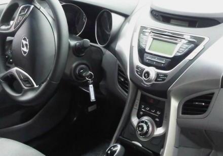 2011 Hyundai Elantra interior spy shot [via HyundaiBlog]