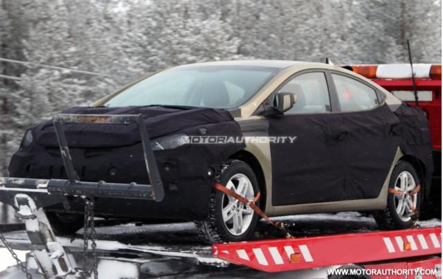 2011 Hyundai Elantra spy shots