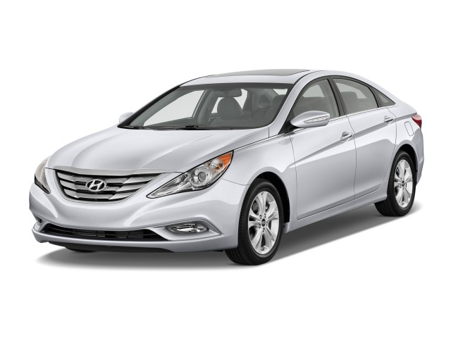 Angular Front Exterior View - 2011 Hyundai Sonata 4-door Sedan I4 Auto Limited