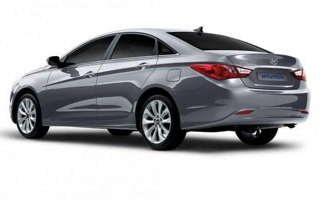 2011 Hyundai Sonata South Korean model shown