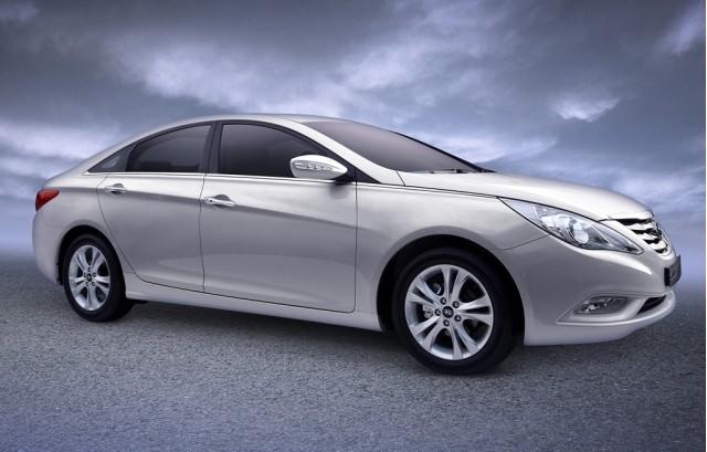 2011 Hyundai Sonata South Korean model shown