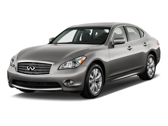 2011 Infiniti M37 4-door Sedan RWD Angular Front Exterior View
