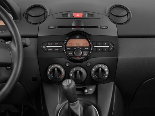 2011-mazda-mazda2-4-door-hb-auto-sport-instrument-panel_100322377_s.jpg