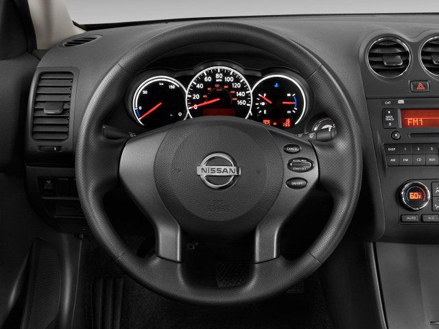 2011 Nissan Altima 4-door Sedan I4 eCVT Hybrid Steering Wheel
